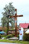Žehnání kříže u č.p. 151. 11.května 2019