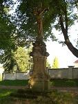 Obrázek: Kříž u kostela